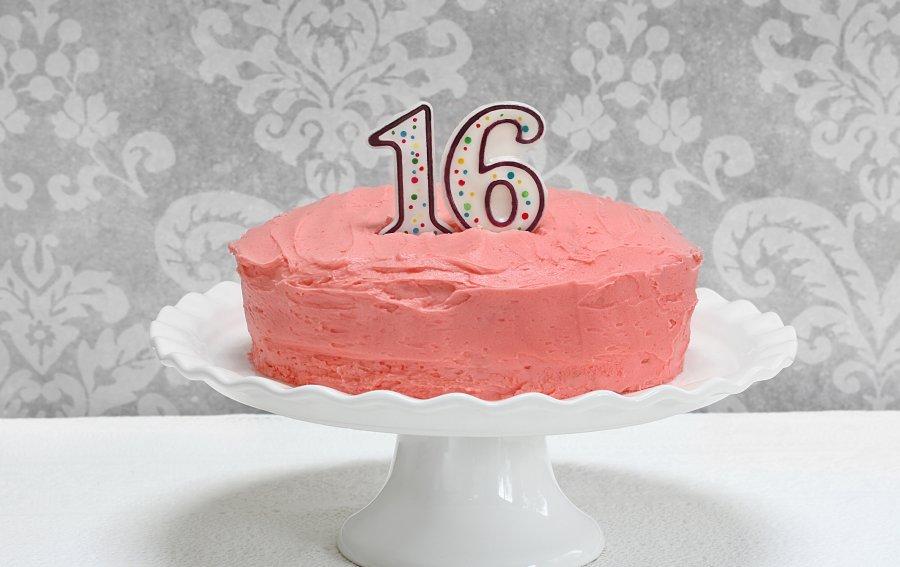 Bild von dem Produkt Torte zum 16. Geburtstag Vorderseite