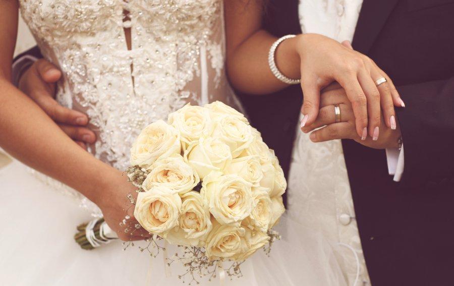 Bild von dem Produkt Weißer Hochzeitsstrauß Vorderseite