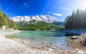 Bild von dem Produkt Der See unter den Bergen