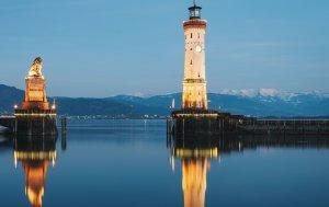 Bild von dem Produkt Lindauer Leuchtturm im Abendgrauen